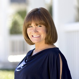 laura-icon-at-homes-realty-group