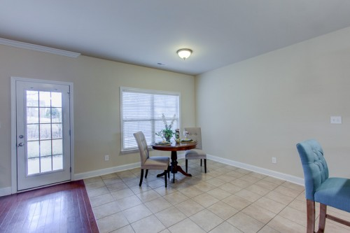 014-6827-breyerton-way-small-dining-room