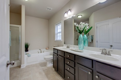 021-6827-breyerton-way-small-m-bath